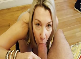 Cassie loves that thick cock