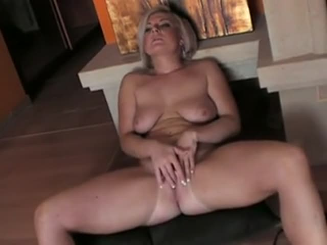 Webcam Milf Rubs Pussy Swallows Cu