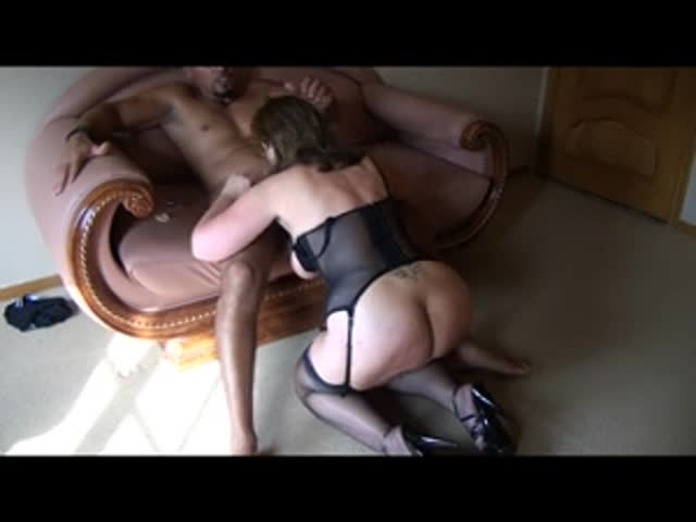 Mature cuck and wife blowing bull