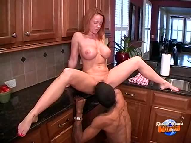 Janet milf hard in the kitchen