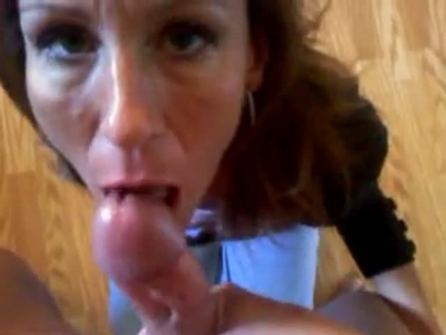Super hot milf sucking cock
