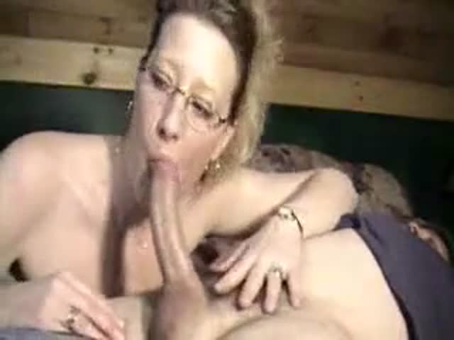 amature sucking dick