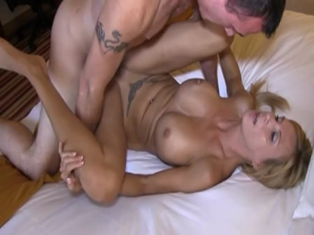 mom minutos levando close juicy pussy takes his