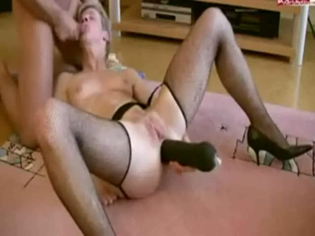 Wife fucking huge dildo