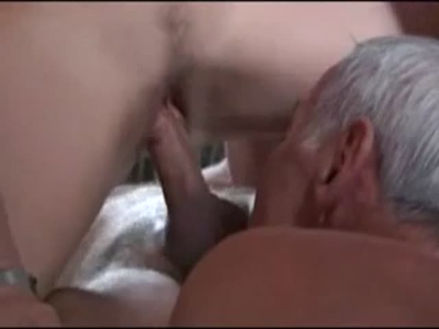 Girl gobble cream eating from husband pie pussy wife