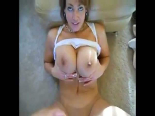 Milf cum between tits