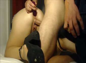Gf takes his small dick in her pussy and big dildo in her ass