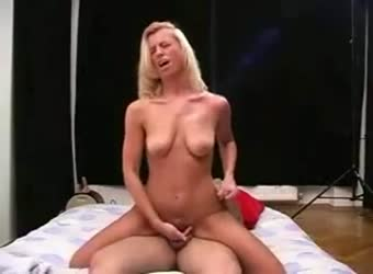 Experienced blond nympho takes full control on top