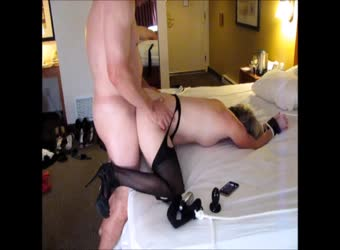 Sub wife with her hands tied taking it doggystyle