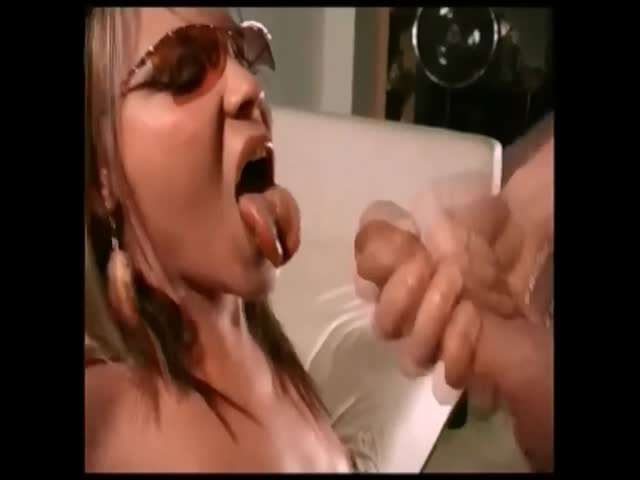 Beautiful latina cum
