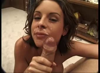 Hot amateur brunette gets a huge facial
