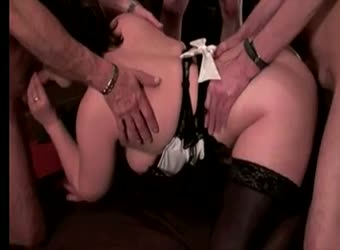 Slutwife swinger in big gangbang