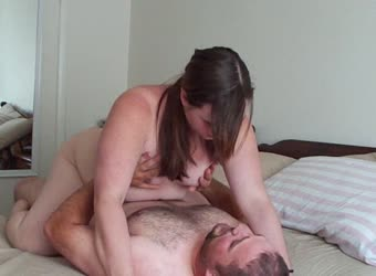 Fat jiggly girl rides his cock great