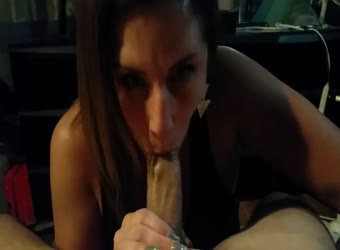 Experienced latina milf mastered the art of sucking