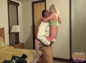 HomeMade Amateur Videospetite Mandy squirts with BBC