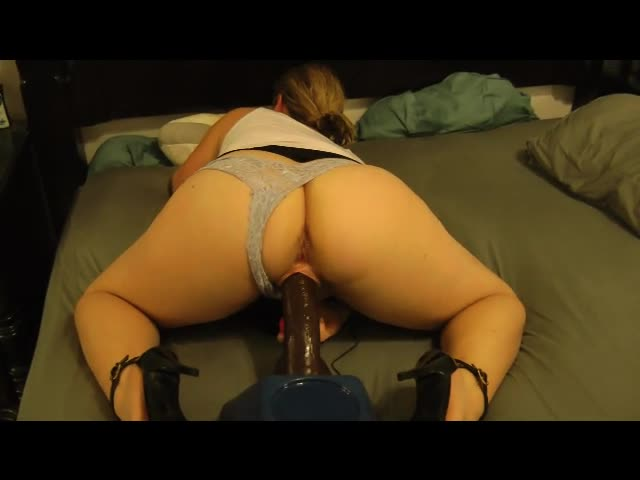 Housewife Sex Bam Dildo