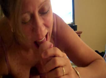 Mature wife always liked sucking cock