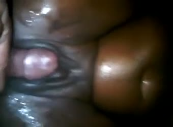 Ebony squirts all over herself during sex