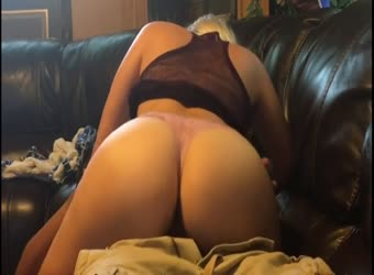 Pawg mounts BBC and goes to work