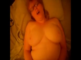 Big tits BBW nerdy homemade sextape