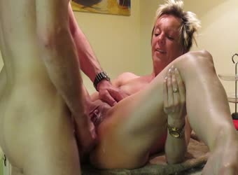 Good looking mature wife fucked on the kitchen table