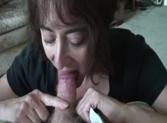 Mature lady still sucks cock like shes 18