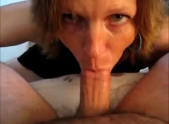Mature lady gives a nice blowjob