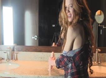 Super horny and hot body redhead milf fucks her dildo in bath