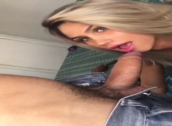 Sexiest slut eye contact deepthroat