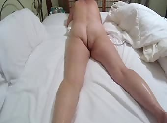 Horny granny loves to make that ass bounce