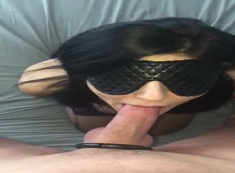 Showing off her hands free cocksucking skills
