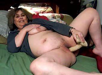 Tammy fucking her big dildo