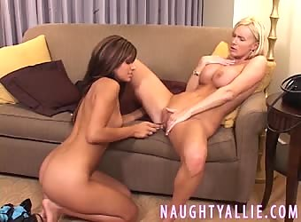 RAVEN RILEY FUCKED MY PUSSY