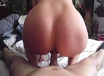 Wife bouncing that phat ass hard