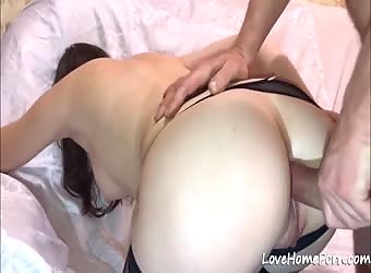 Wife puts on her stockings and gets anal drilling