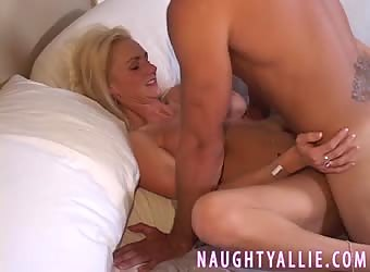 I GOT FUCKED BY A WELL HUNG STUD