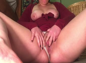 Sally Squirt strip and pussy play