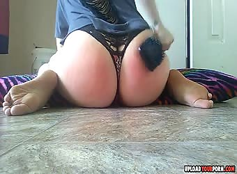 Hot Girl Masturbates On The Floor