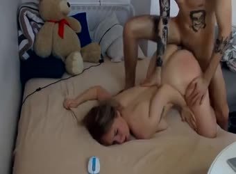 Horny Girlfriend Gets Pounded To Facial