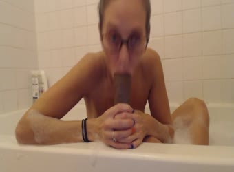 Nerdy chick with hot body plays with big black dildo