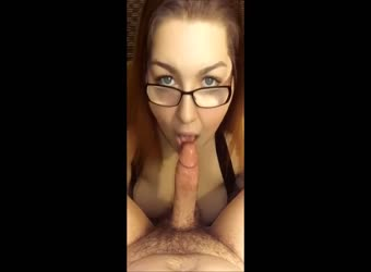 Beautfill full sized girl eating a cock