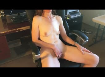 Wife playing with her pussy