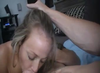 Hot slut homemade finishing with her mouth