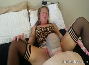 Mature amateur in her first porn video