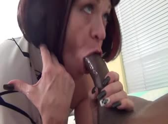 Mature woman goes wild with BBC
