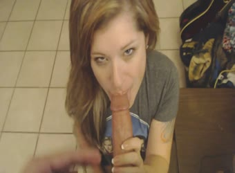 Sexy blue-eyed teen sucking dick to facial