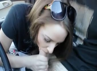18yo college slut fucks in the car