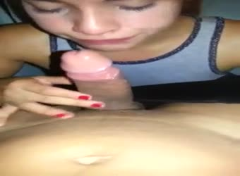 Brazil teen reaches her throat in blowjob