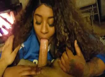 Ebony teen with sexy curls gives fantastic head