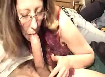 Mature wife deepthroats amazing